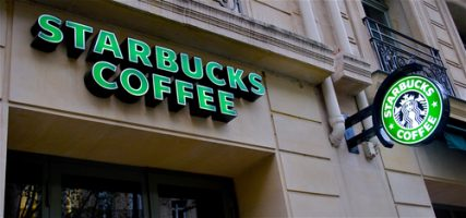 """Starbucks is Opening a New """"Signing Store"""" for Deafs in D.C."""